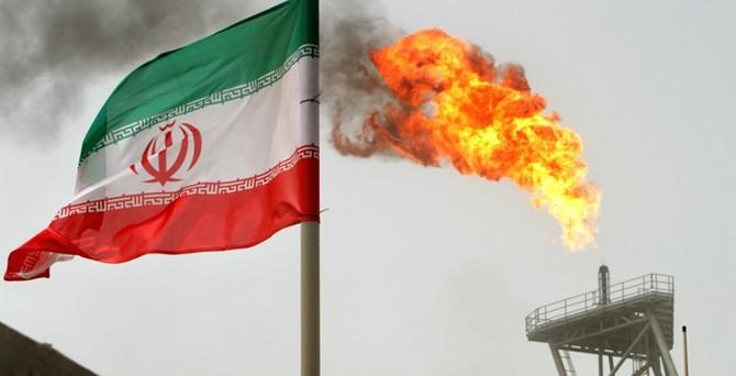 İran'ın anlaşma şansı petrolü düşürüyor