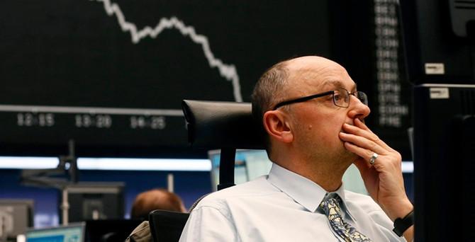 ABD piyasaları ve dolar verilerle geriliyor
