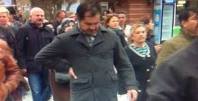 Valinin azarladığı öğretmen protestoda öldü