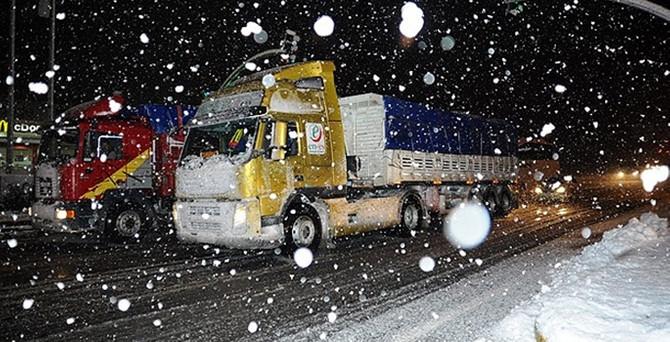 Afyonkarahisar-Antalya karayolu ulaşıma kapandı
