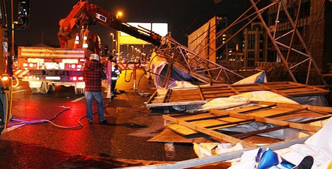 Lodos İstanbul'u vurdu