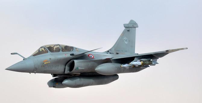 Hindistan'dan dev savaş uçağı siparişi