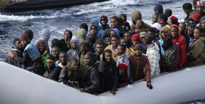 Akdeniz'de göçmen teknesi battı iddiası