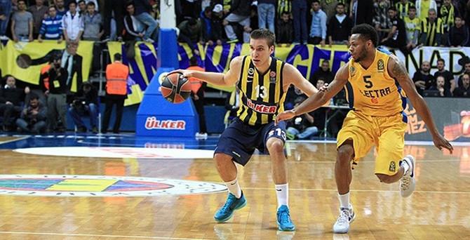 Fenerbahçe Ülker seride öne geçti