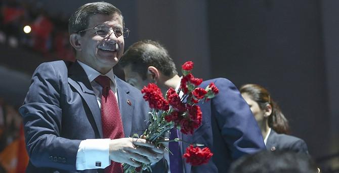 AK Parti seçim beyannamesini açıkladı