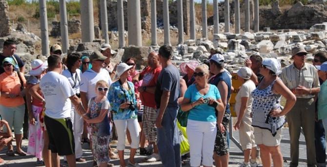 Turist sayısı 2015'te düştü