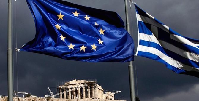 Yunan borsası yine tepetaklak