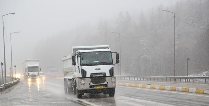 Bolu'da bahar karı ulaşımı vurdu