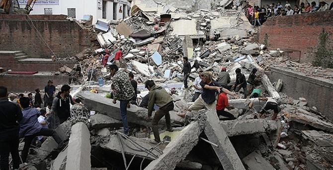 Kızılay Nepal'e bin çadır gönderecek