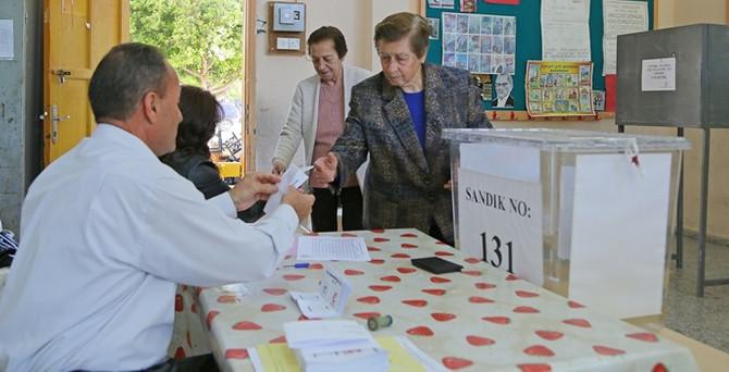 KKTC'de halk cumhurbaşkanı seçiyor