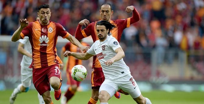 Galatasaray yeniden liderliğe yükseldi