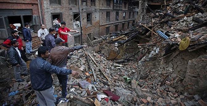 Nepal'de ölü sayısı 4 bin 438'e yükseldi