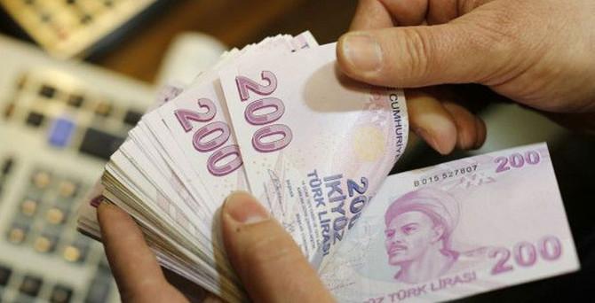 Deutsche Bank: Türk Lirası'nda siyasi risk fiyatlandı