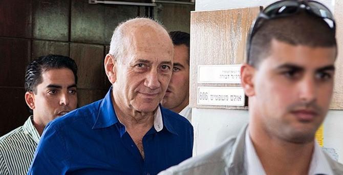 Eski başbakana hapis cezası