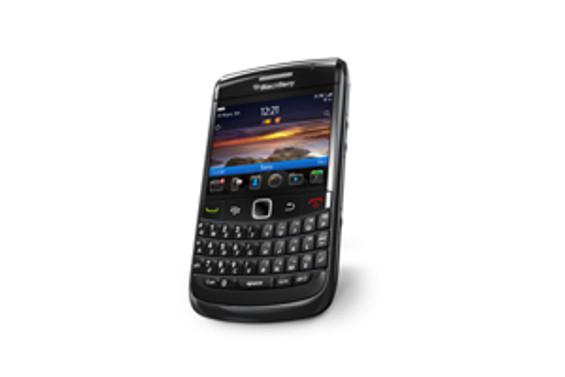 Turkcell'den özel avantajlı BlackBerry Bold 9780