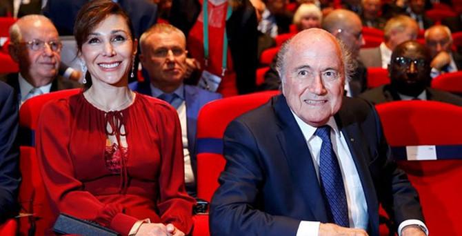 FIFA Kongresi'ne sevgilisiyle geldi