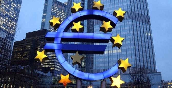 Euro Bölgesi hizmet PMI beklentiyi aştı