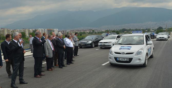 Bursa'nın en büyük kavşağı ulaşıma açıldı