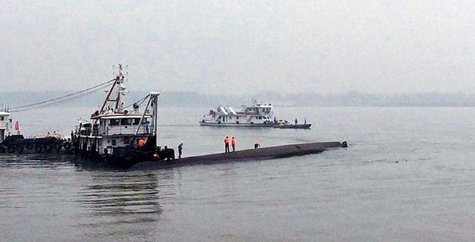 Gemi faciasında ölü sayısı 431'e yükseldi