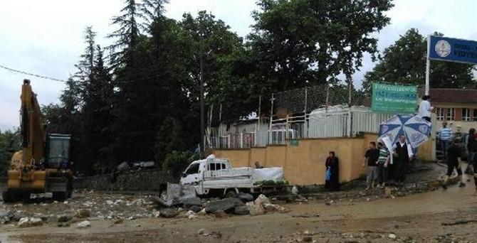 Bursa'da seçim görevlileri mahsur kaldı
