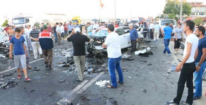 Tekirdağ'da zincirleme kaza: 3 ölü