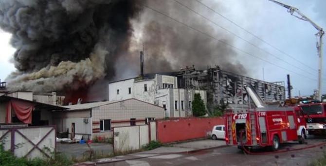 Kocaeli'nde fabrika yangını