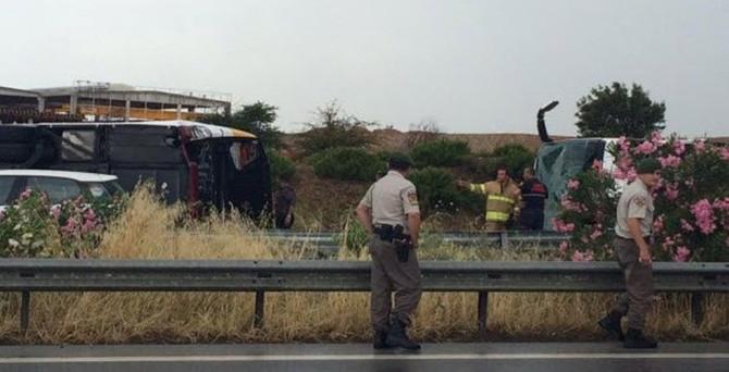 İzmir'de yolcu otobüsleri çarpıştı: 36 yaralı!