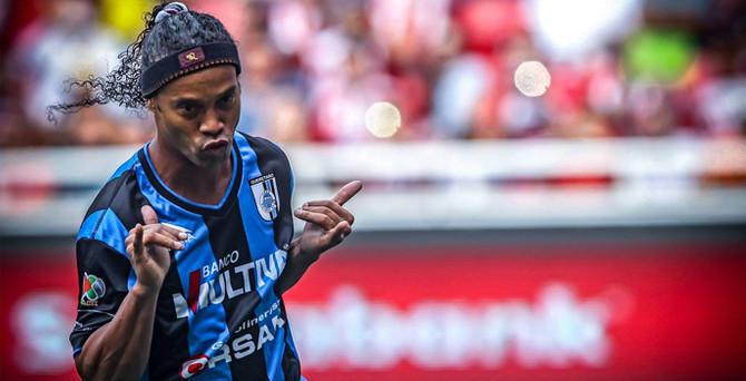 Ronaldinho ülkesine döndü