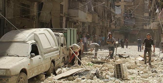 Halep'e roketli saldırı: 10 ölü