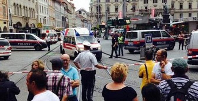 Aracını yayaların üzerine sürdü: 3 ölü, 34 yaralı