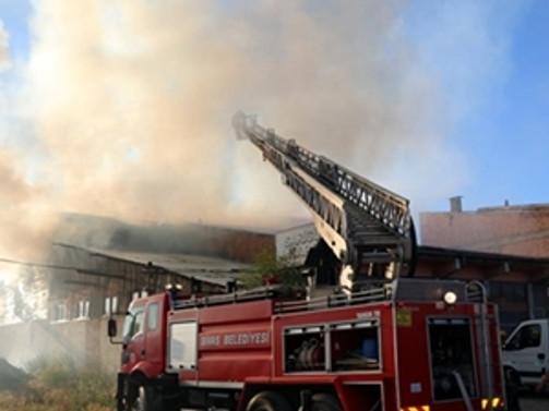 Balıkesir'de alışveriş merkezinde yangın