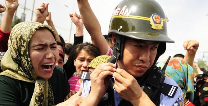 Çin'den Uygurlara yeni operasyon: 18 ölü