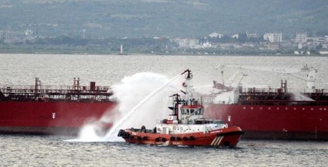 Çanakkale Boğazı'nda tankerle gemi çarpıştı