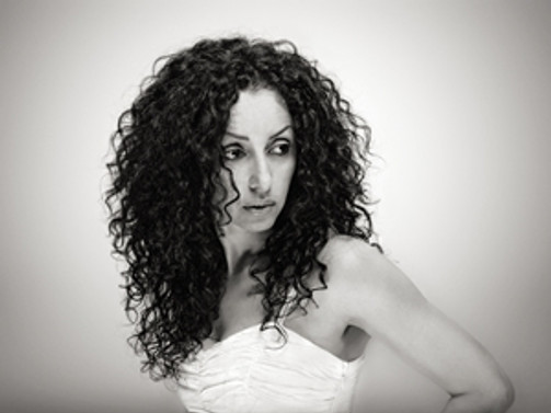 Sahne sırası Karima Nayt'ta