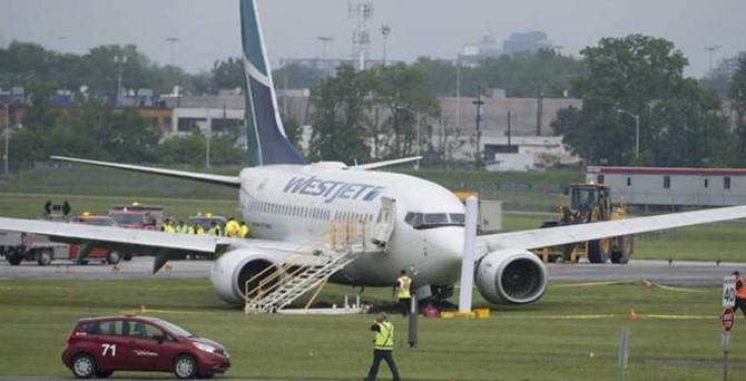 Yolcu uçağı acil iniş yaptı