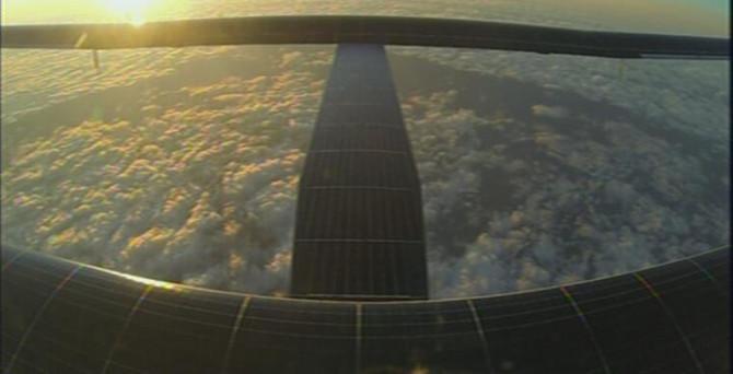 Solar Impulse, Büyük Okyanus'un üçte birini aştı