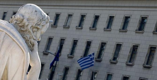 Yunanistan beklentilerin aksine büyüdü