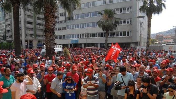 İzmir'de işçiler iş bıraktı
