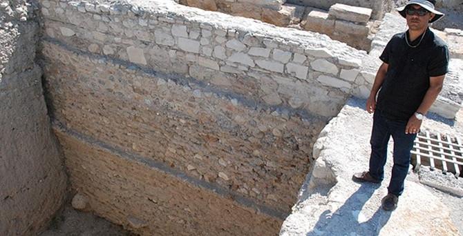 Denizli'de bin 900 yıllık tahıl ambarı bulundu