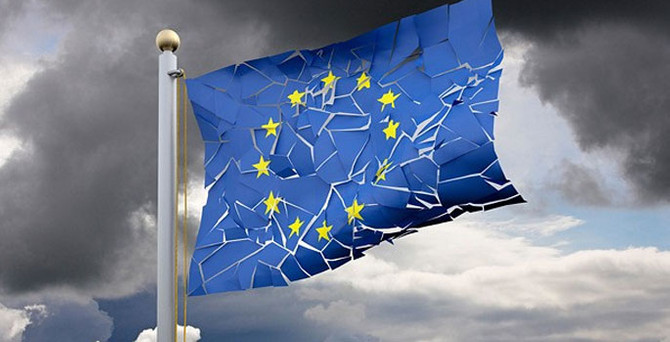 Schulz: Avrupa projesi bıçak sırtında