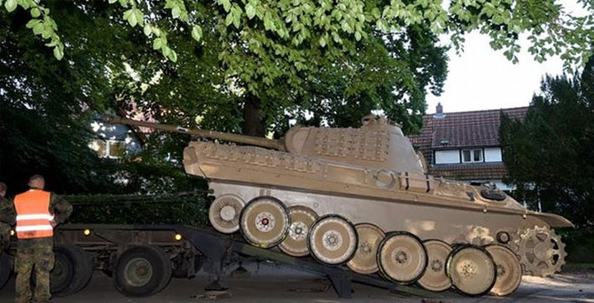 Bodrumdan 70 yılık tank çıktı