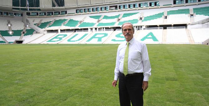 Timsah Arena'da saha yeşillendi