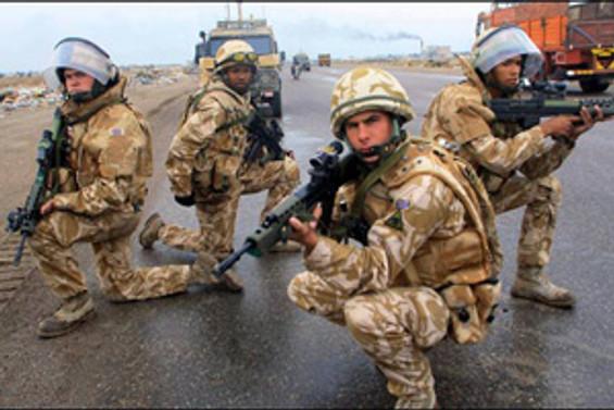 İngiltere'de kriz silahlı kuvvetlere katılımı artırdı