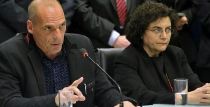 Yunanistan'da şok istifa