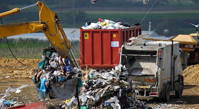 Avrupa'dan İtalya'ya çöp cezası