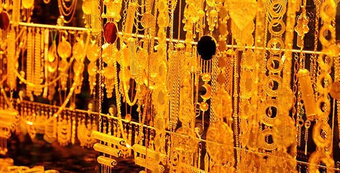 Altın toparlanmaya çalışıyor