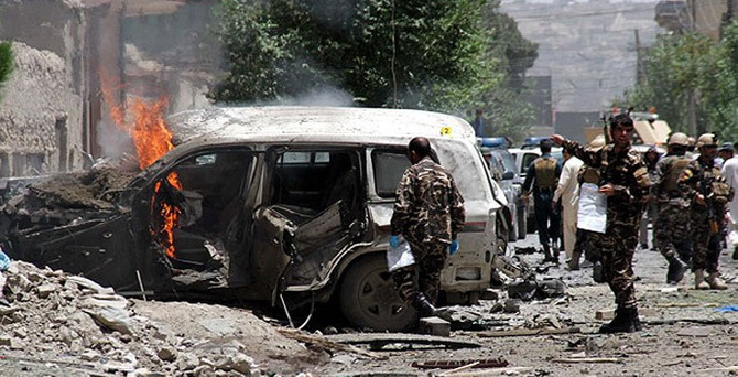 Afganistan'da canlı bomba: 19 ölü, 33 yaralı