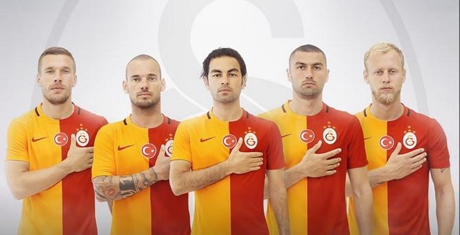 Galatasaray, 4 yıldızlı formalarını tanıttı