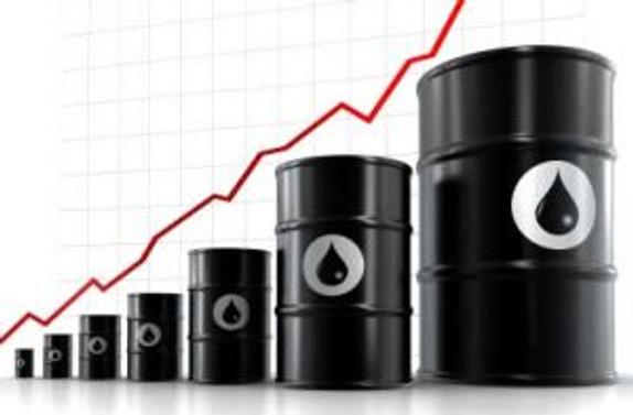 Kaddafi ilerledikçe petrol yükseliyor