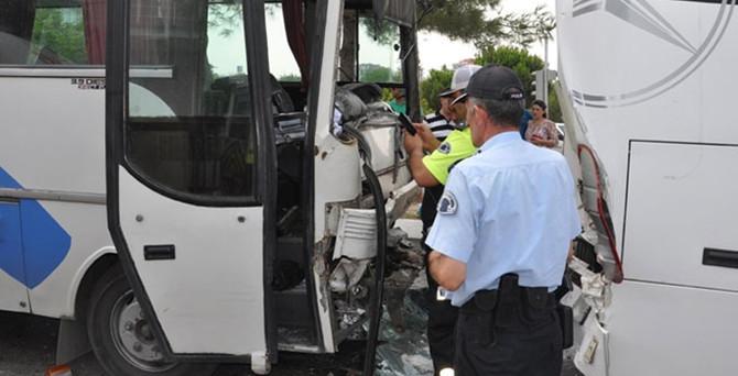 Denizli'de işçi servisleri çarpıştı: 31 yaralı